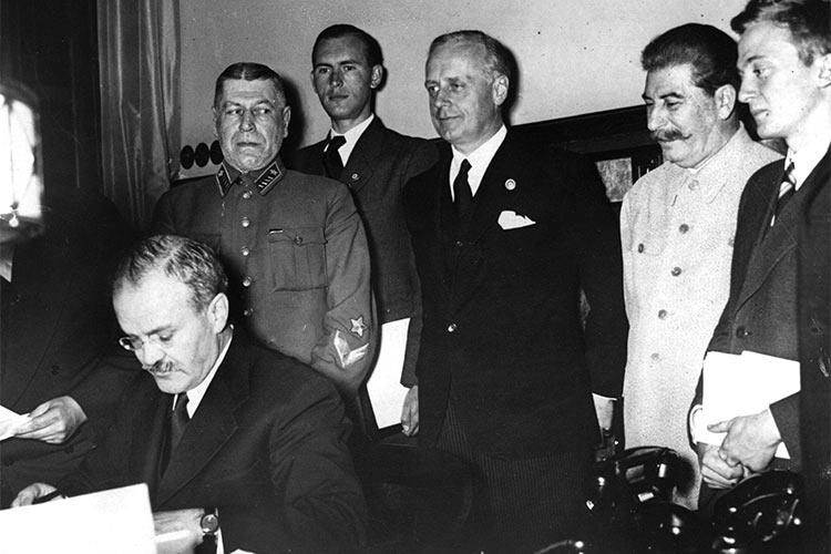 El principio de incertiduMbre Ribbentrop-molotov