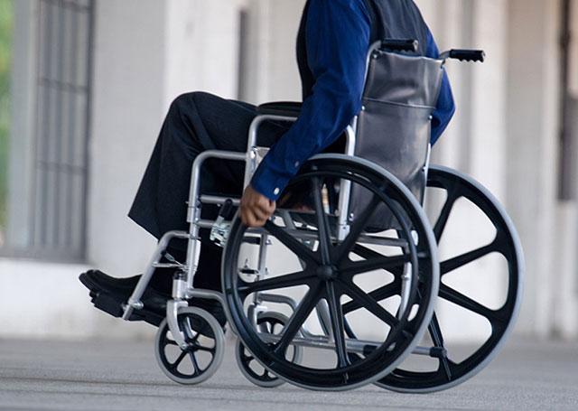 Доступная среда права инвалидов в России Институт современной  В России проживают 13 млн инвалидов около 10% населения страны однако условия для их интеграции и нормальной жизни по прежнему не созданы