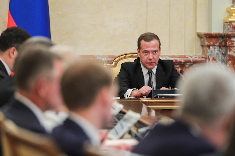 Russia's New Government, May Decrees 2.0, Roizman's Resignation